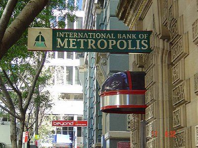 Superman Returns, Metropolis bank