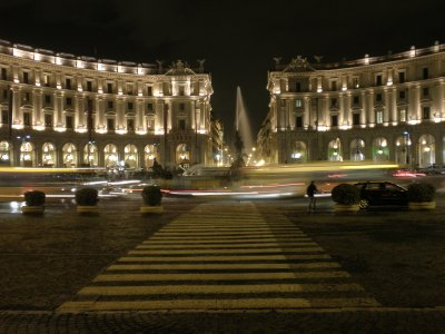 3Rome_by_night.jpg