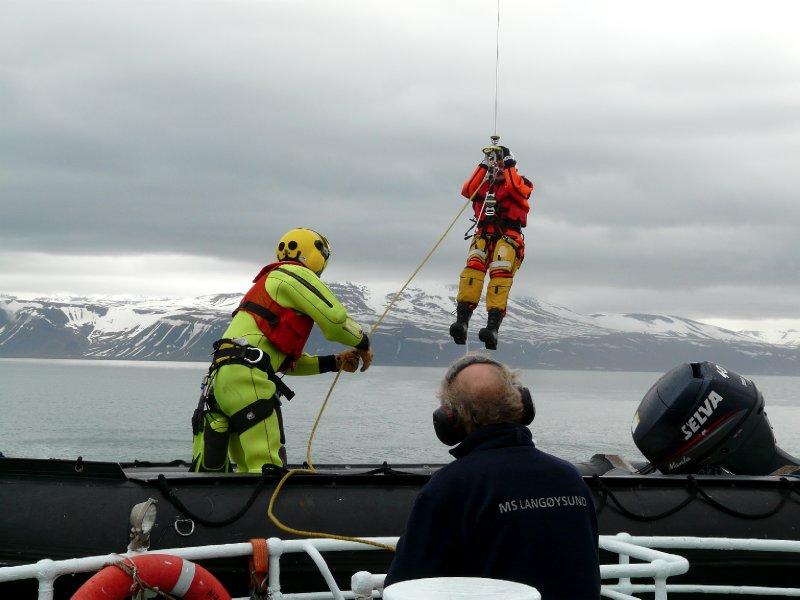 Rescue drill by Sysselmannen