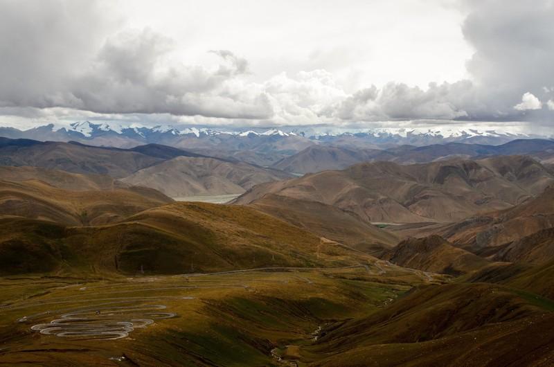 Cloudy Himalayan skyline seen from Pang la pass (5200m)