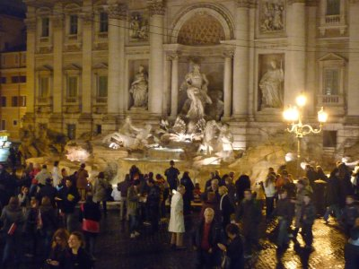 Trevi crowds