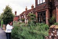Cranleigh_gardens.jpg