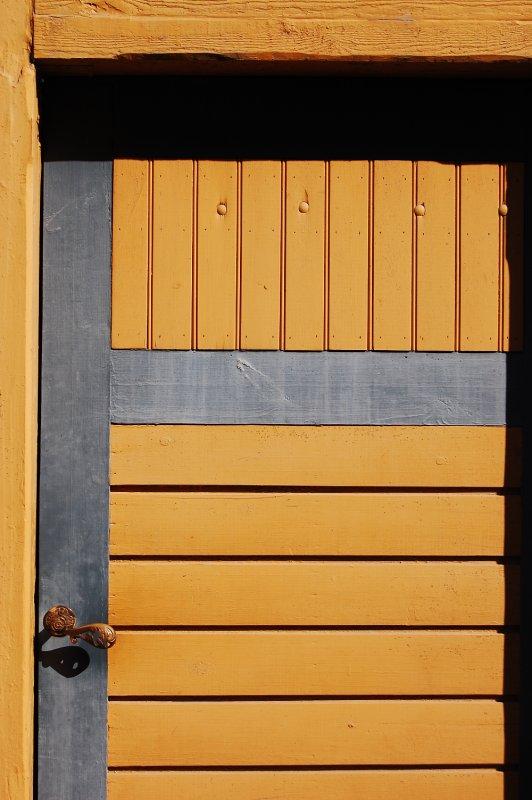 Yellow Door detail