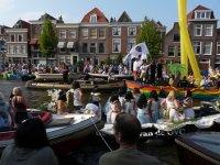 Boat parade celebrating the beginning of the LakenFest, Leiden