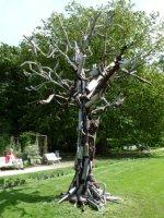 Vehiculus qnalpodii uitlatenboom (car muffler exhaust tree), Hortus Botanicus, Leiden