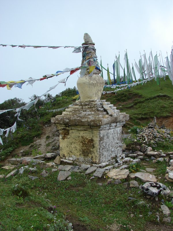 Chorten at the Top of Chele La