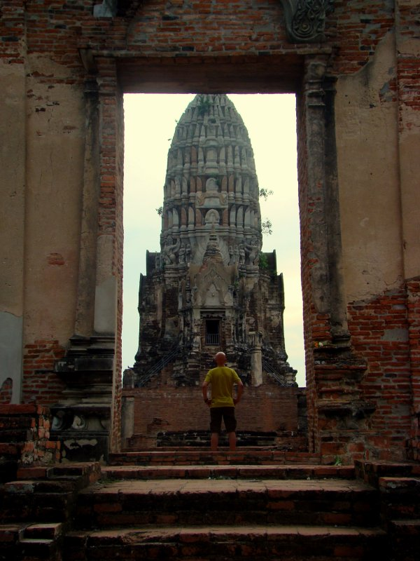 temple in ayutthaya