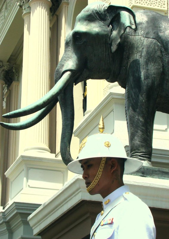royal guard at the grand palace