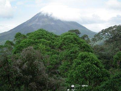 Mt_Arenal_Volcano.jpg