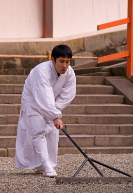Nara_monk_..09_3864.jpg