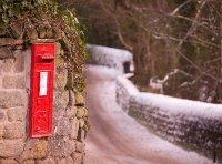 Derbyshire_postbox_12-23-09