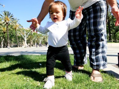 Ylla's first steps at Barcelona's Arch of Triumph