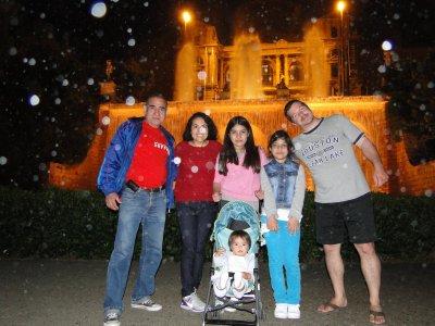 Nelson, Vane, Celia, Ylla, Kiara and Jay at Mont Juic magic water fountains