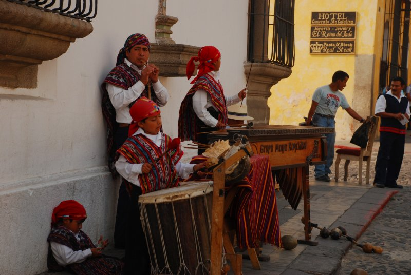 Street musicians in Antigua - Guatemala