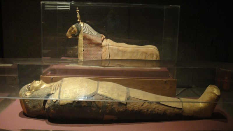 large_Mummies_of..__Egypt.jpg