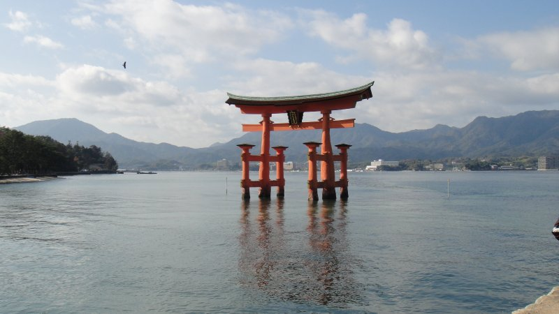 large_O-torii_fl..iyajima.jpg