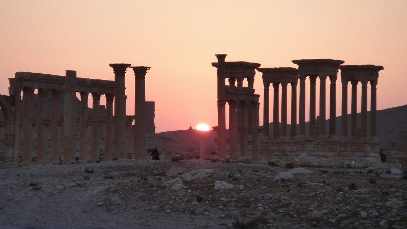 large_Sunset_beh..__Syria.jpg
