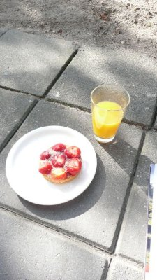 BreakfastwithEve.jpg