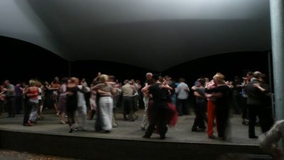 Tangoinapark3.jpg