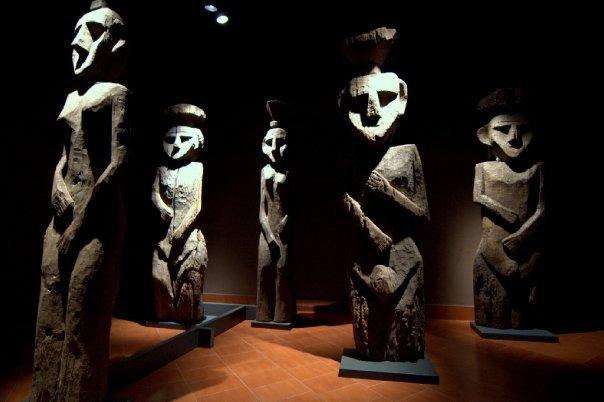 Statues @ Museo Histórico Nacional