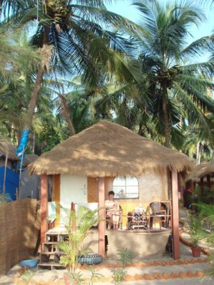 Agonda beachfront hut