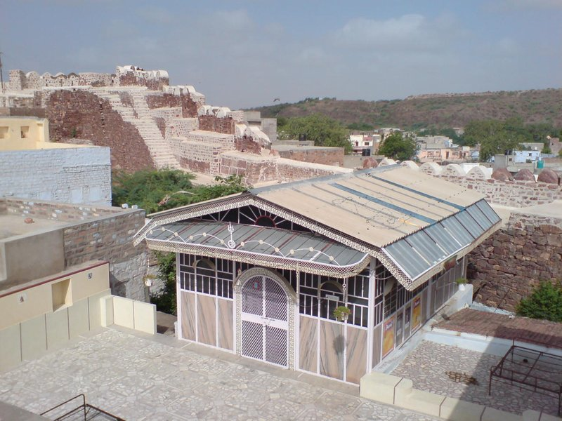 sheesh mahal paying guest house : blue city jodhpur