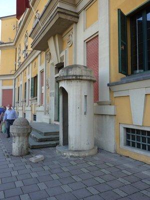 90_Tirana_bunker.jpg