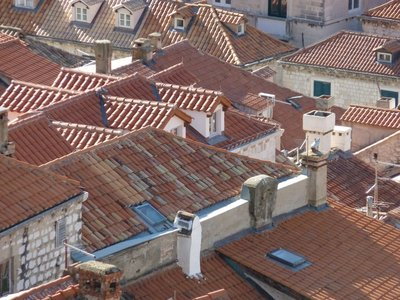 Dubrovnik_some_more_roofs.jpg