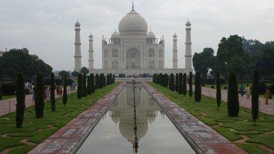 Taj Mahal, classic view
