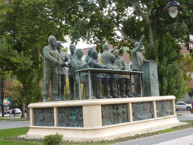 Skopje seated statues