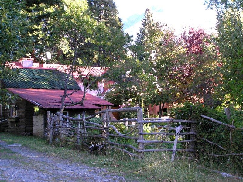 Funky Farmhouse near Parque Puelo
