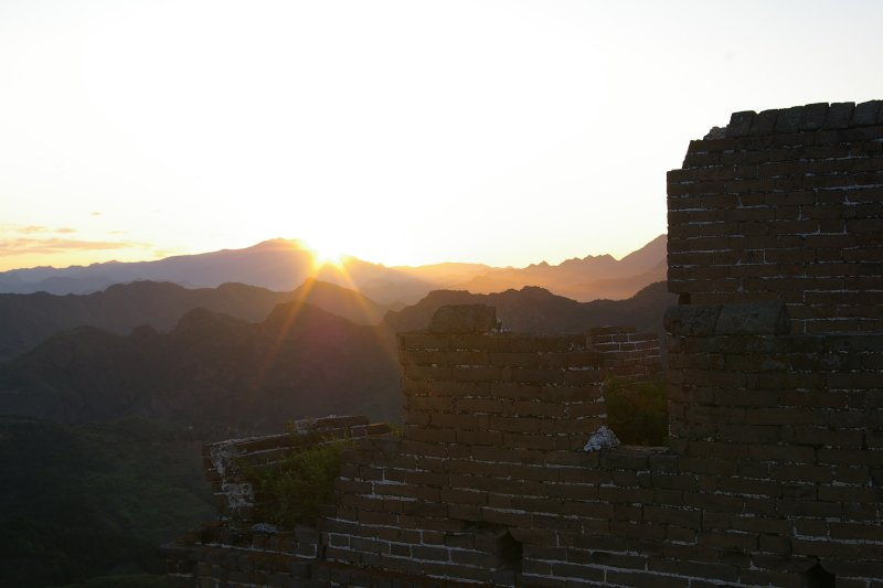 Sun riseing on the great wall