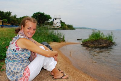 Relaxed at the edge of Lake Victoria with the lighthouse in the background