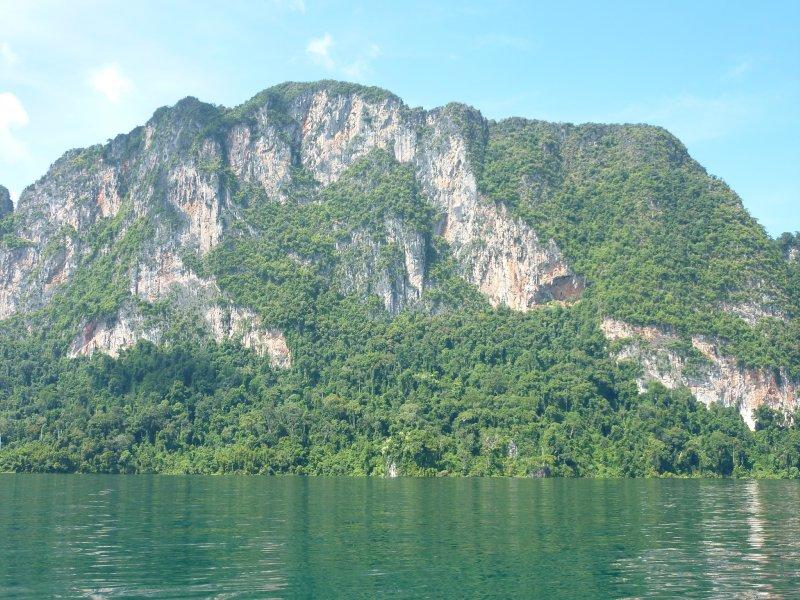 K.Sok Cheow Lan Lk Limestone Mountains6
