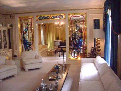 Graceland_..ck_room.jpg