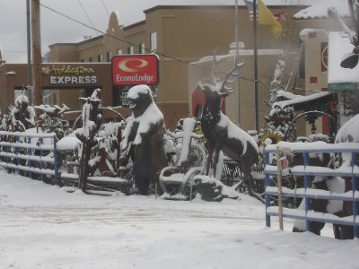 Snow_on_th..lptures.jpg