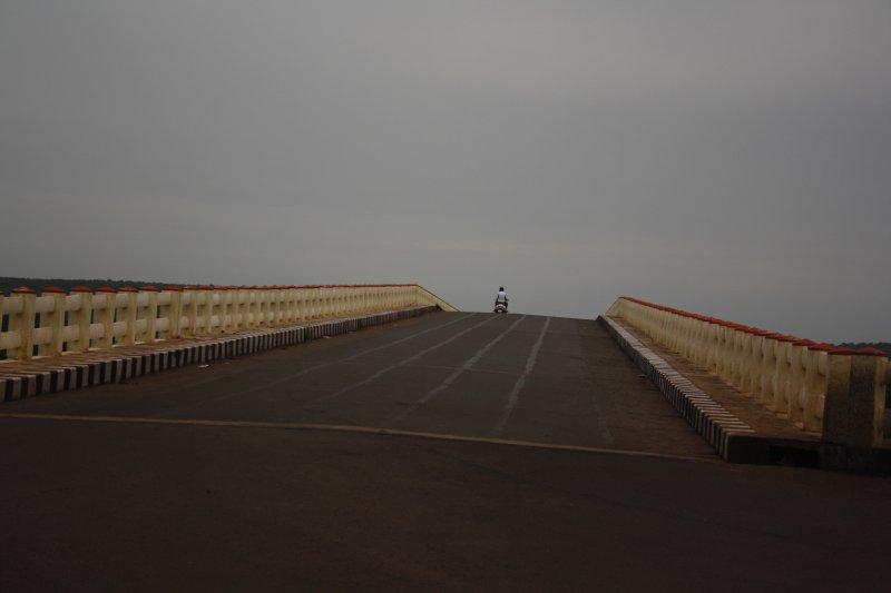 large_26__Lonesome_Highway.jpg