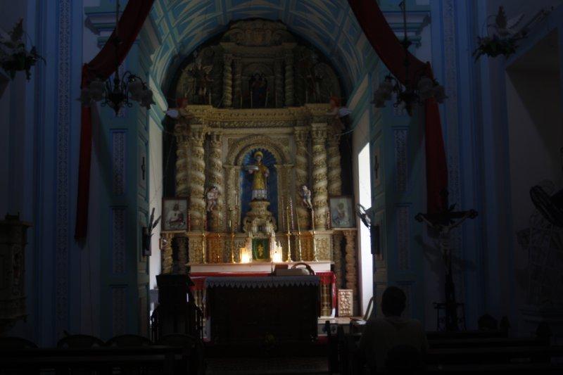 large_9_0_St_Lawrence_Church.jpg