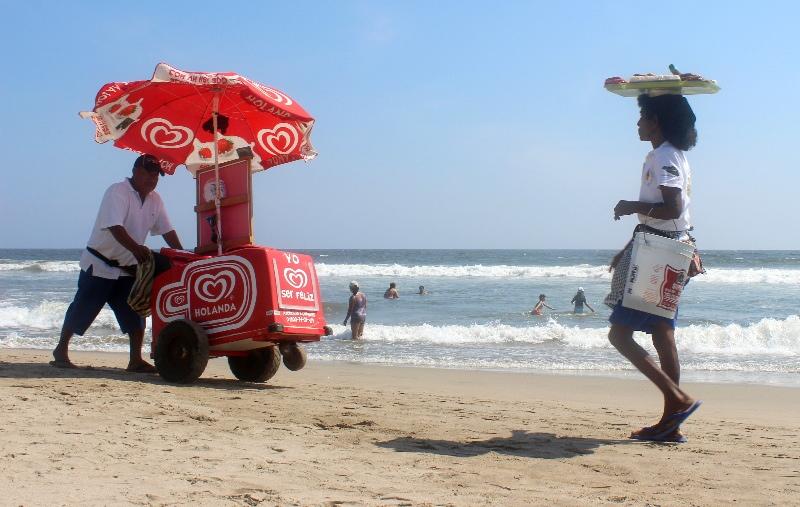 Vendors on the beach, Mexico