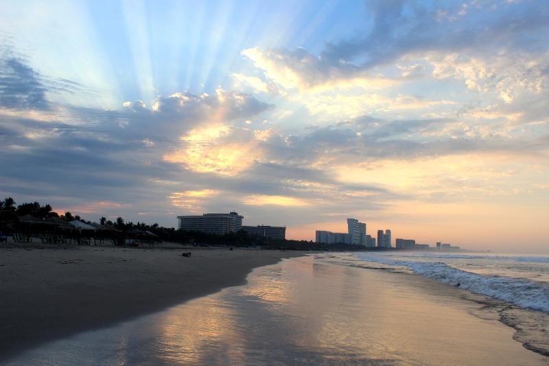 Sunrise on Playa Revolcadero