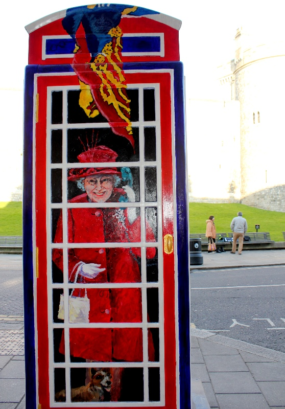 The Queen in a phone box