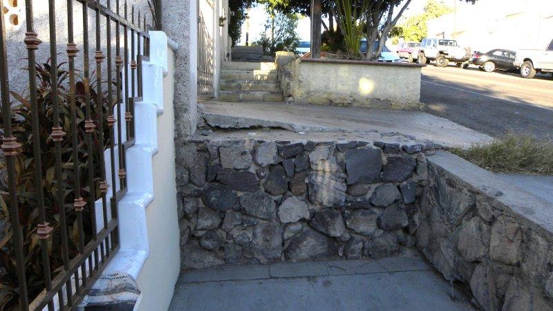 The Sidewalks of La Paz