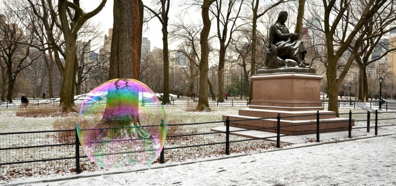 Bubble and Statue