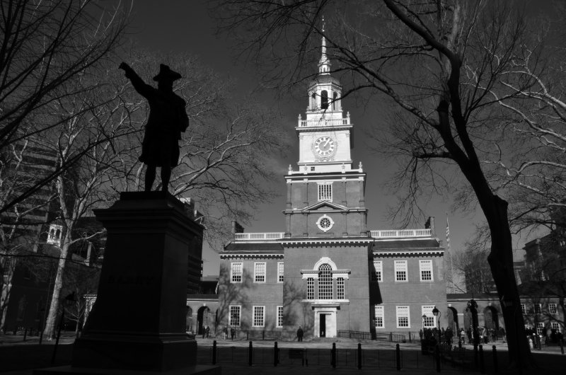 Independance Hall and Statue