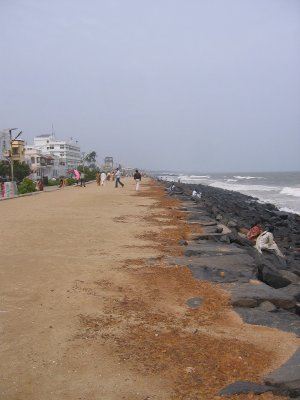 the not so great beach of Pondicherry