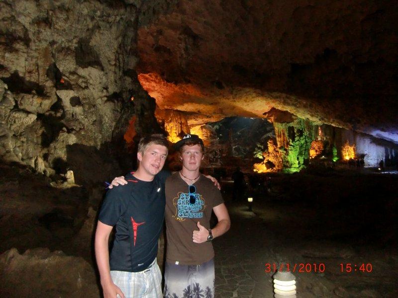 Halong Bay grotte