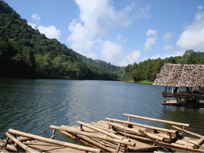 Ban Rak Thai Lake