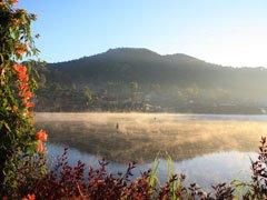 mae-aw-morning-lake-240-180