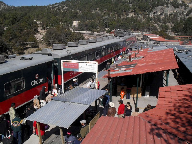 El Divisadero train station