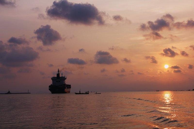 Sunset Cambodia International Port - Sihanoukville (april 2011)